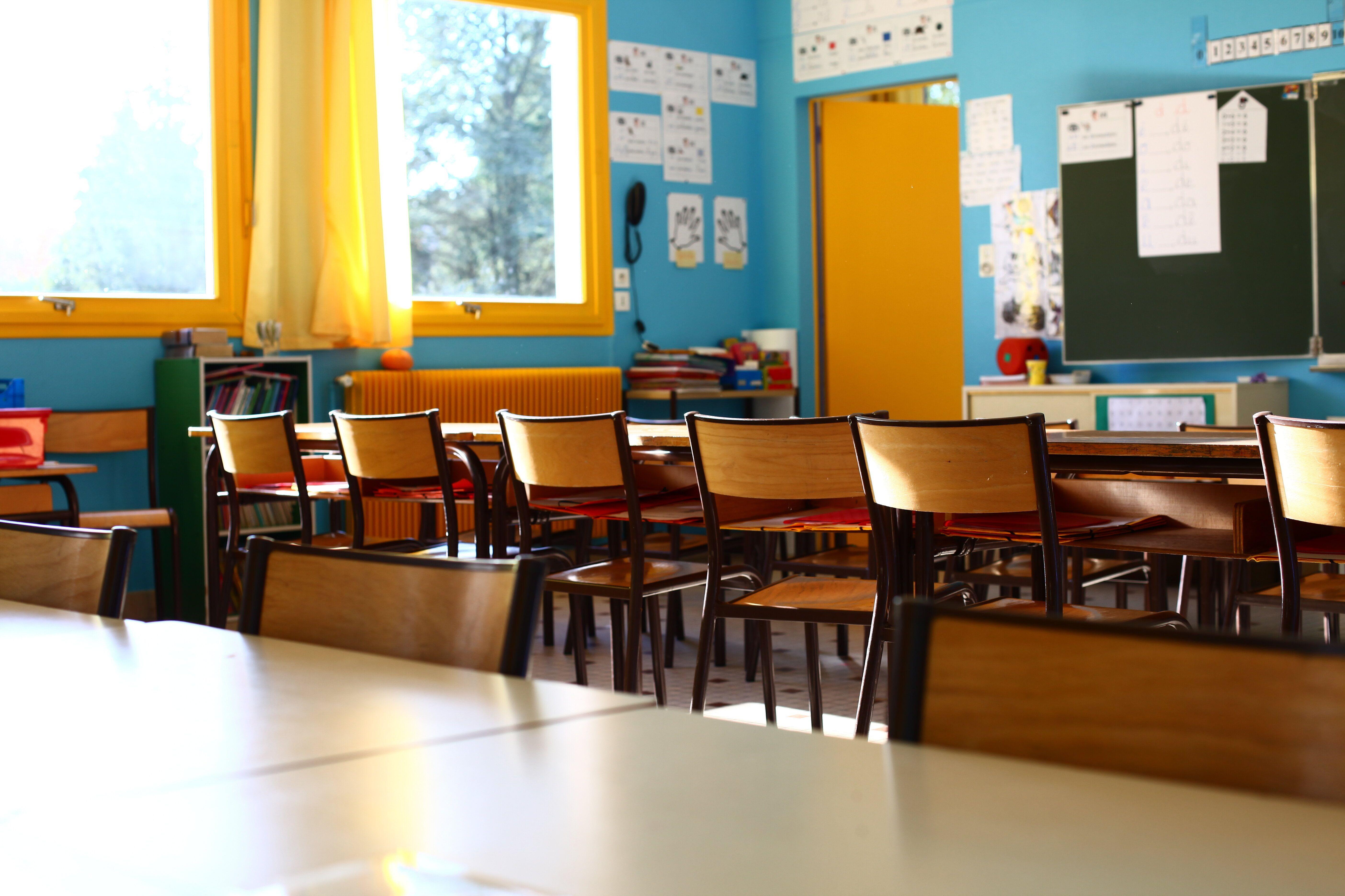 28 établissements scolaires et 262 classes fermés en France à cause du coronavirus...