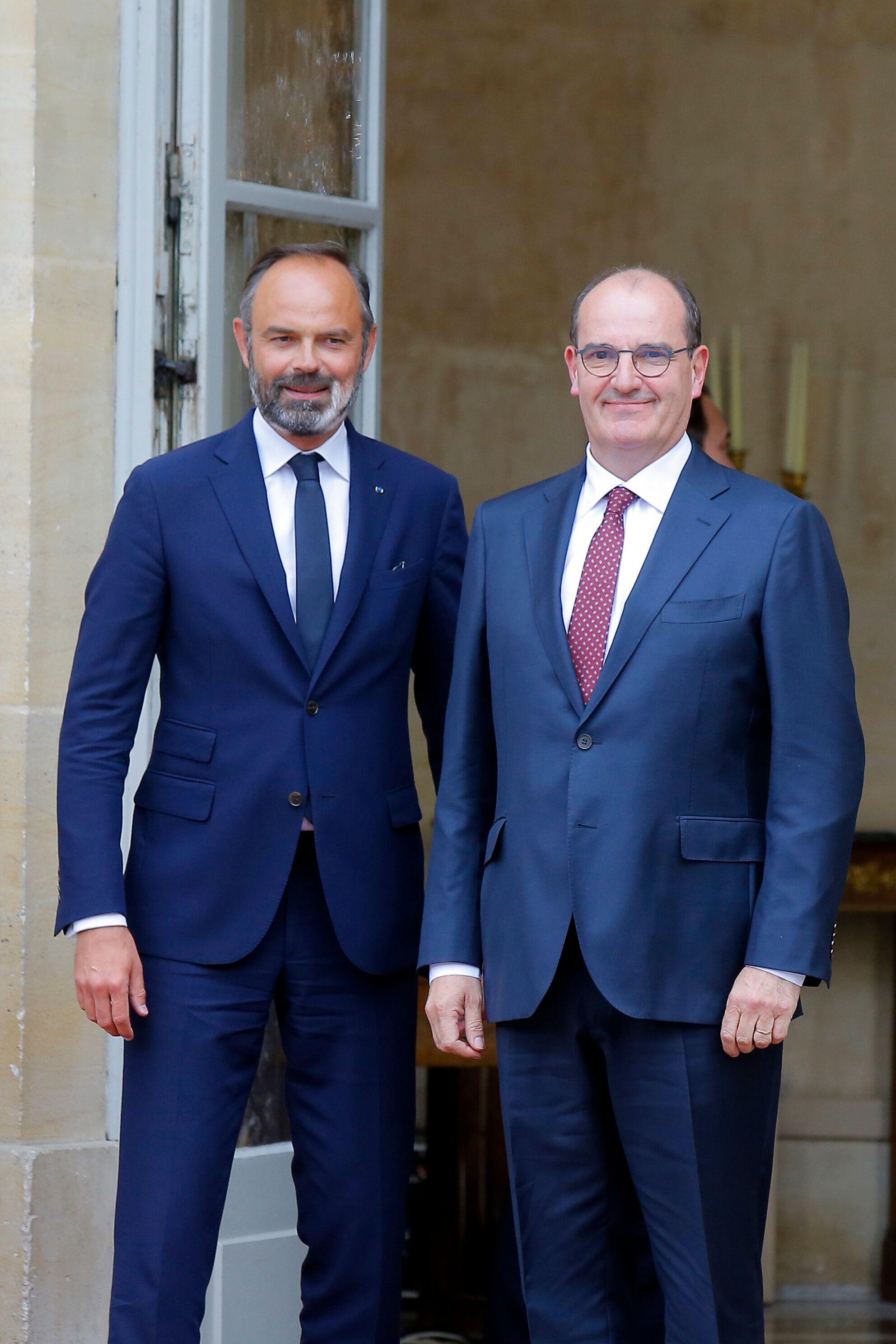 Edouard Philippe et Jean Castex lors de la passation de pouvoir à Matignon. Tous deux sont visés...