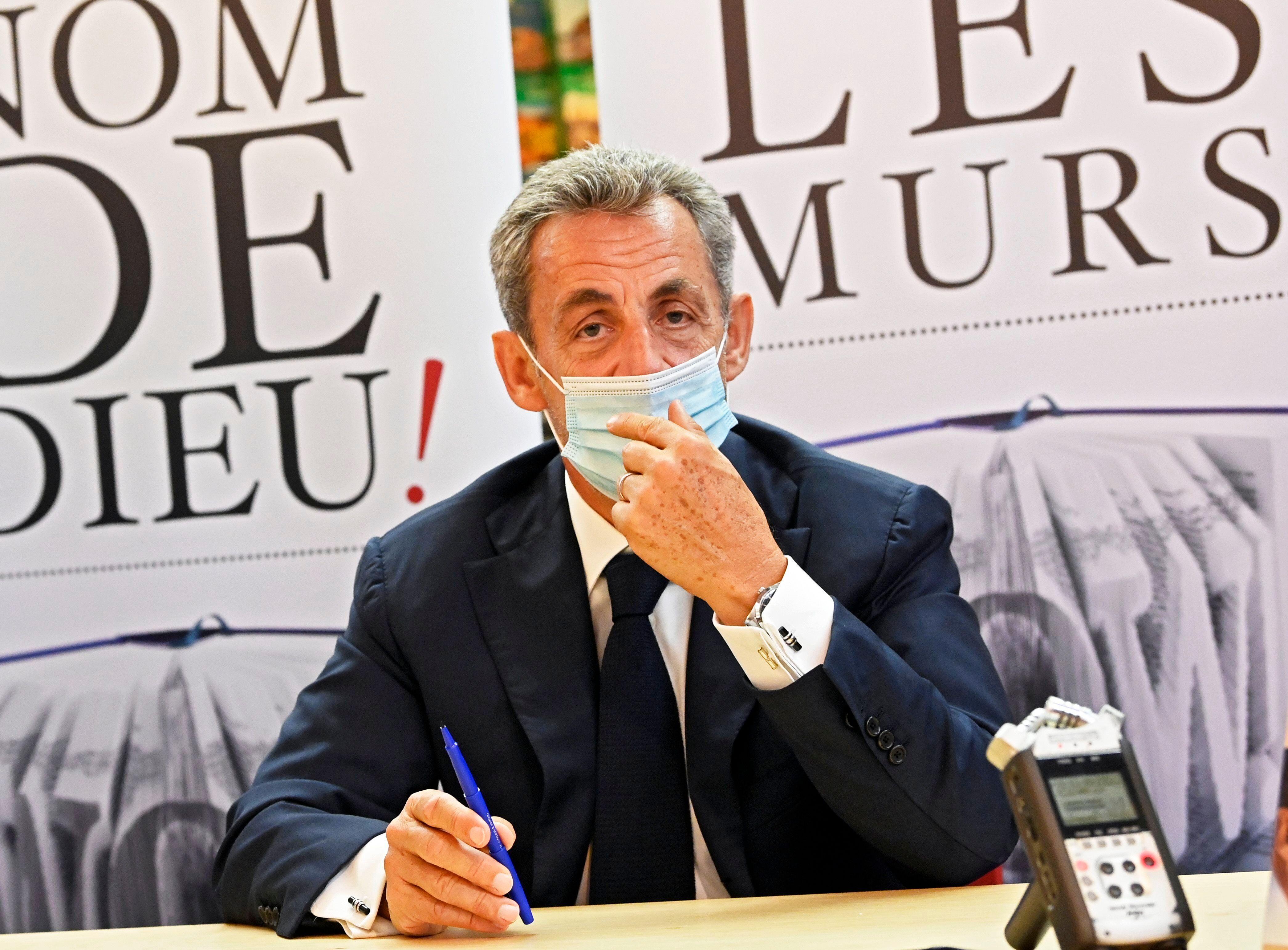 Nicolas Sarkozy, ici lors d'une séance de dédicace de son livre