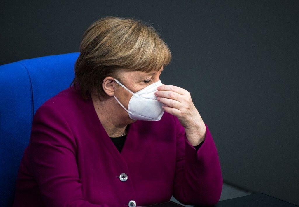 Face au Covid, Merkel s'agace des Länder récalcitrants et menace d'intervenir (photo au Bundestag le...