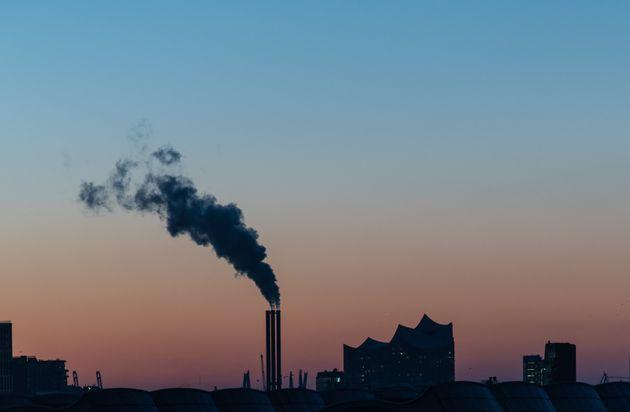 L'UE se fixe pour objectif de réduire de plus de moitié ses émissions carbone d'ici...