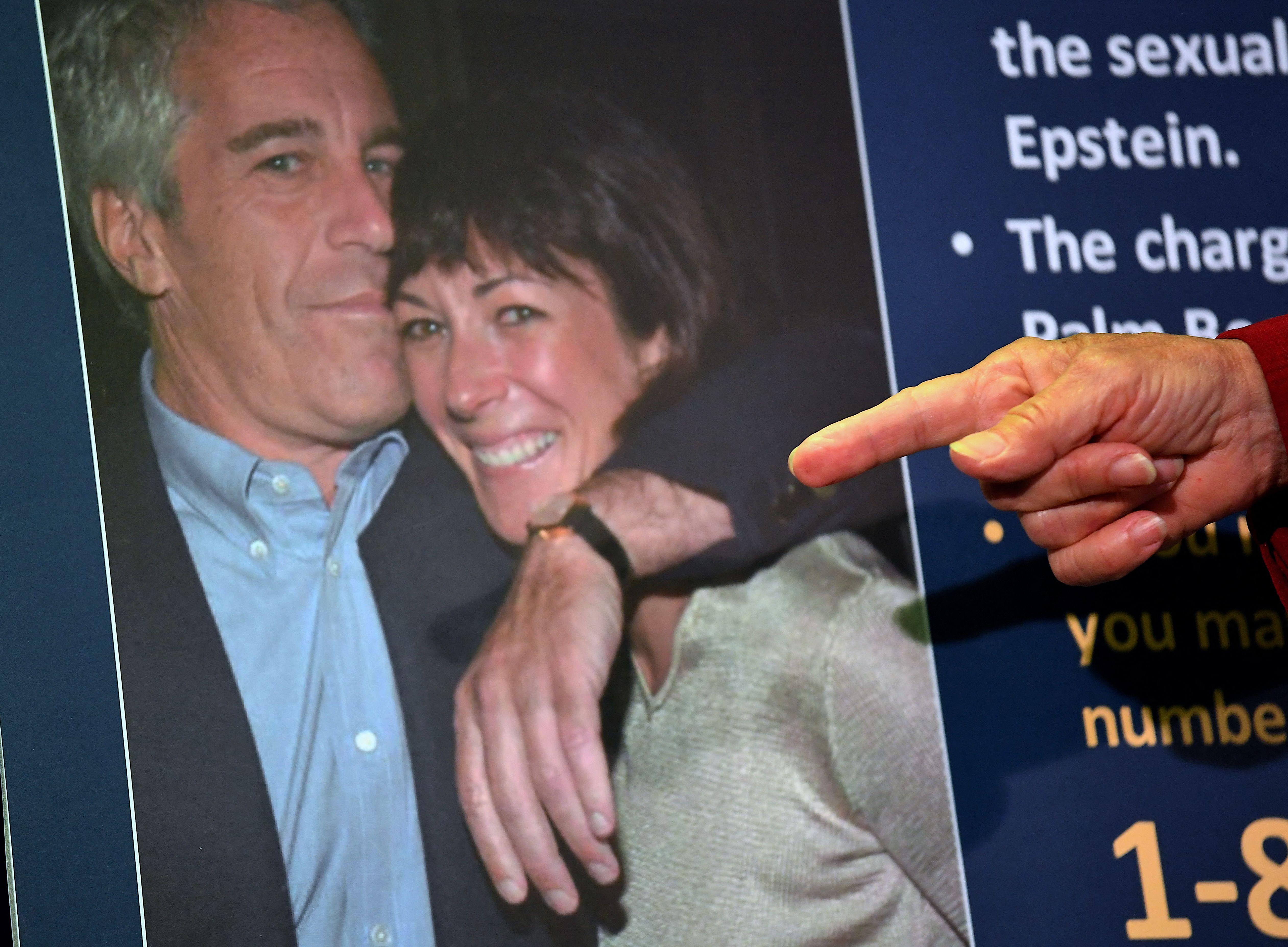 Ghislaine Maxwell, ancienne bras droit de Jeffrey Epstein et soupçonnée d'avoir recruté...