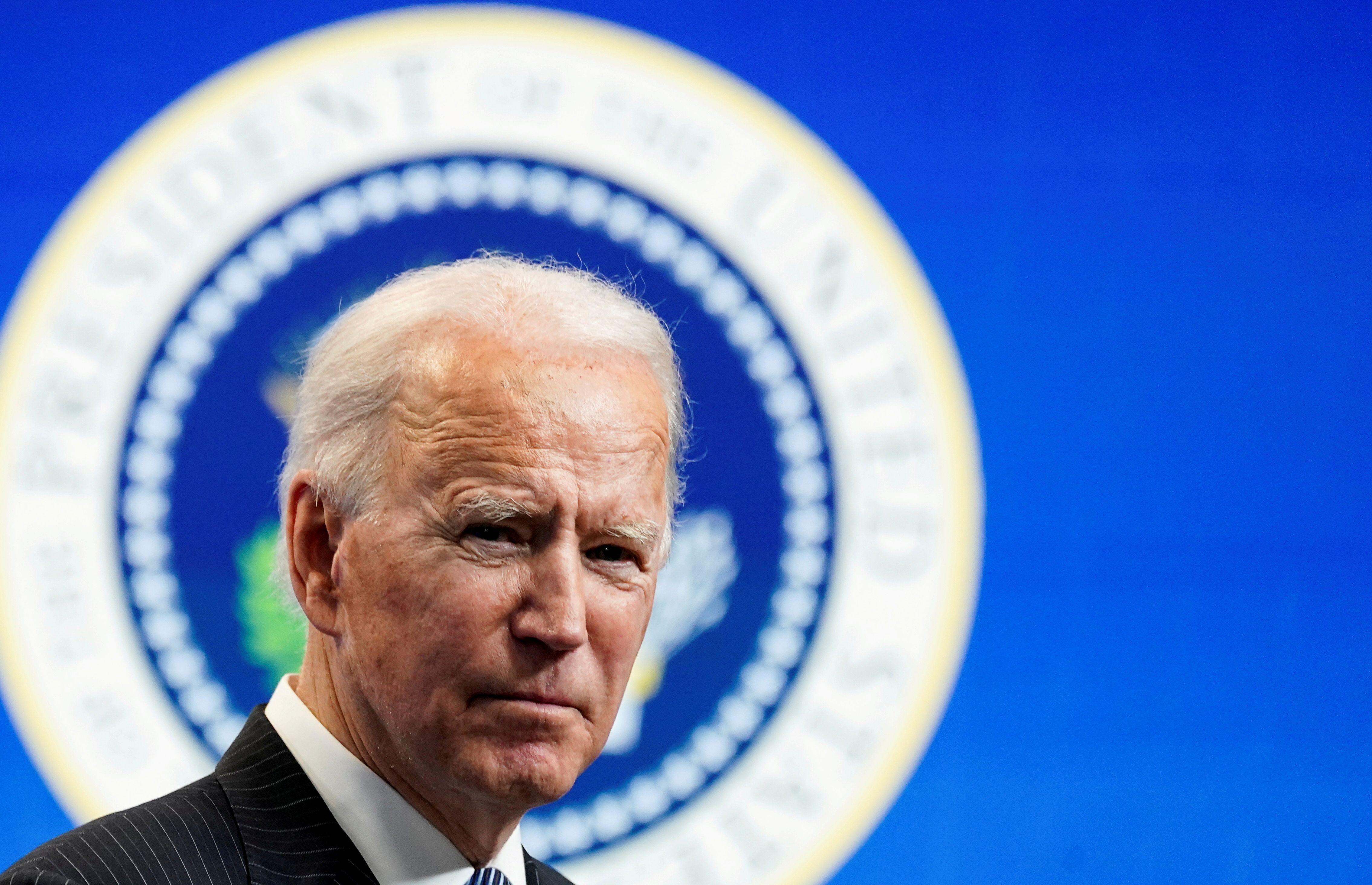 Joe Biden, ici photographié le 25 janvier à la Maison Blanche, est devenu le premier président des États-Unis...