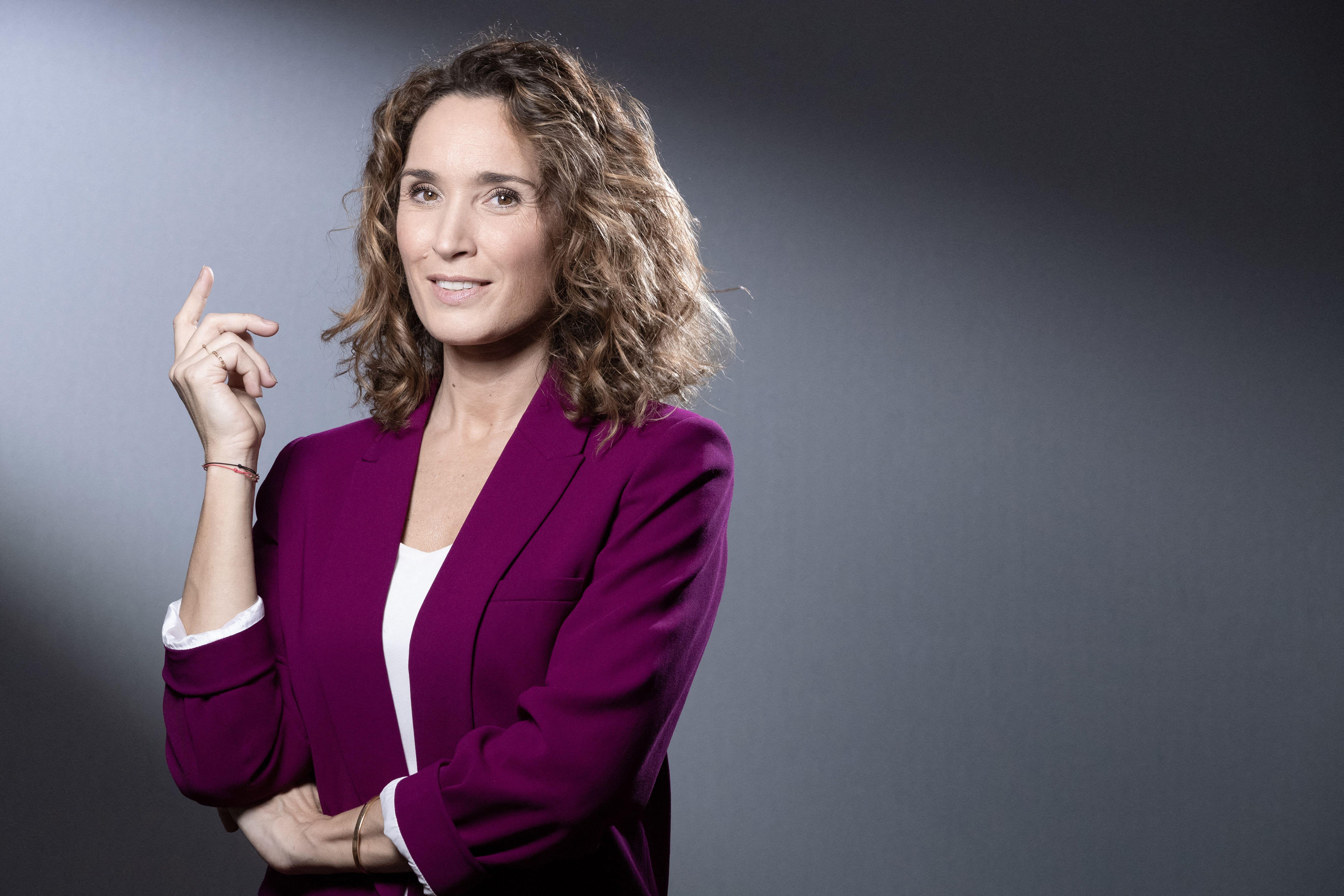La journaliste française Marie-Sophie Lacarrau lors d'une session photo le 14 décembre