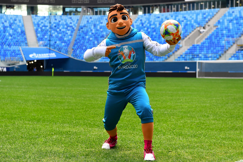 Skillzy, la mascotte de l'Euro 2021 de foot, fait l'unanimité contre elle(Skillzy, la mascotte...