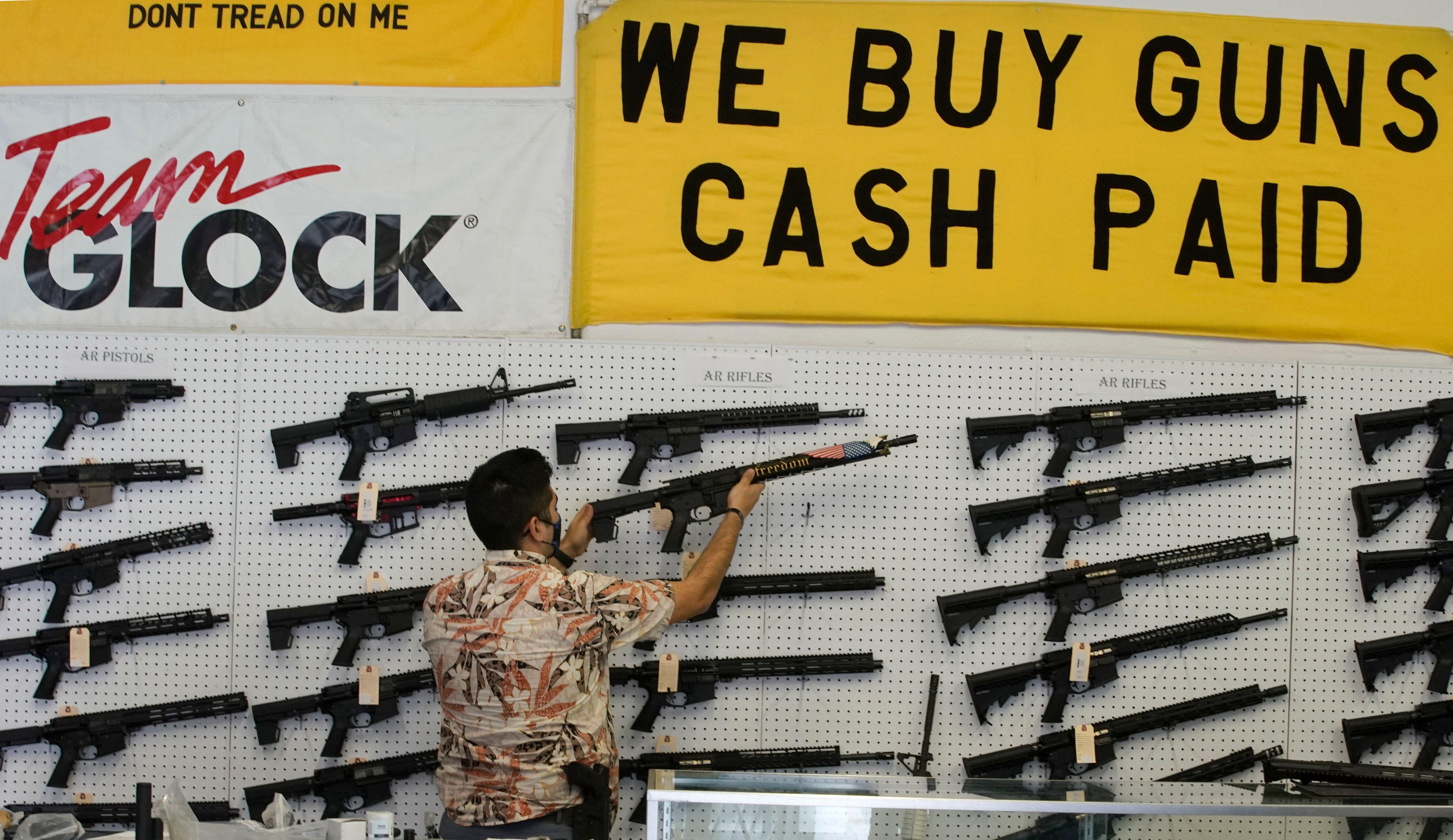 En Californie, les armes d'assaut dont l'AR-15 réautorisés par un juge (photo d'illustration prise dans