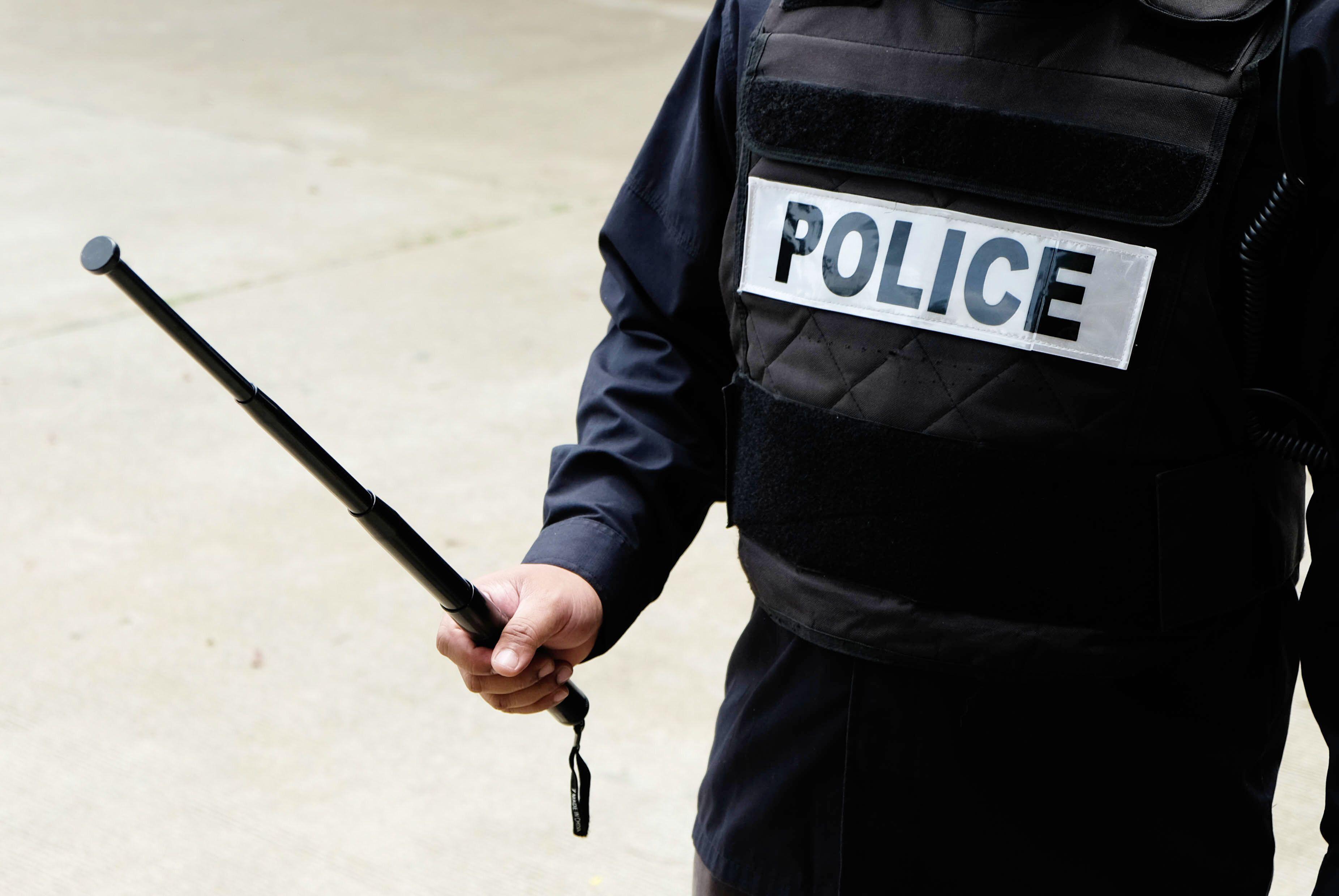 Mort d'un homme après une clé d'étranglement à Drancy: 3 policiers mis en