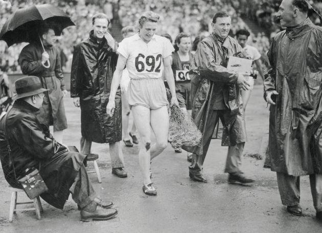 Fanny Blankers-Koen après sa victoire lors du 200 m lors des mêmes JO 1948 à