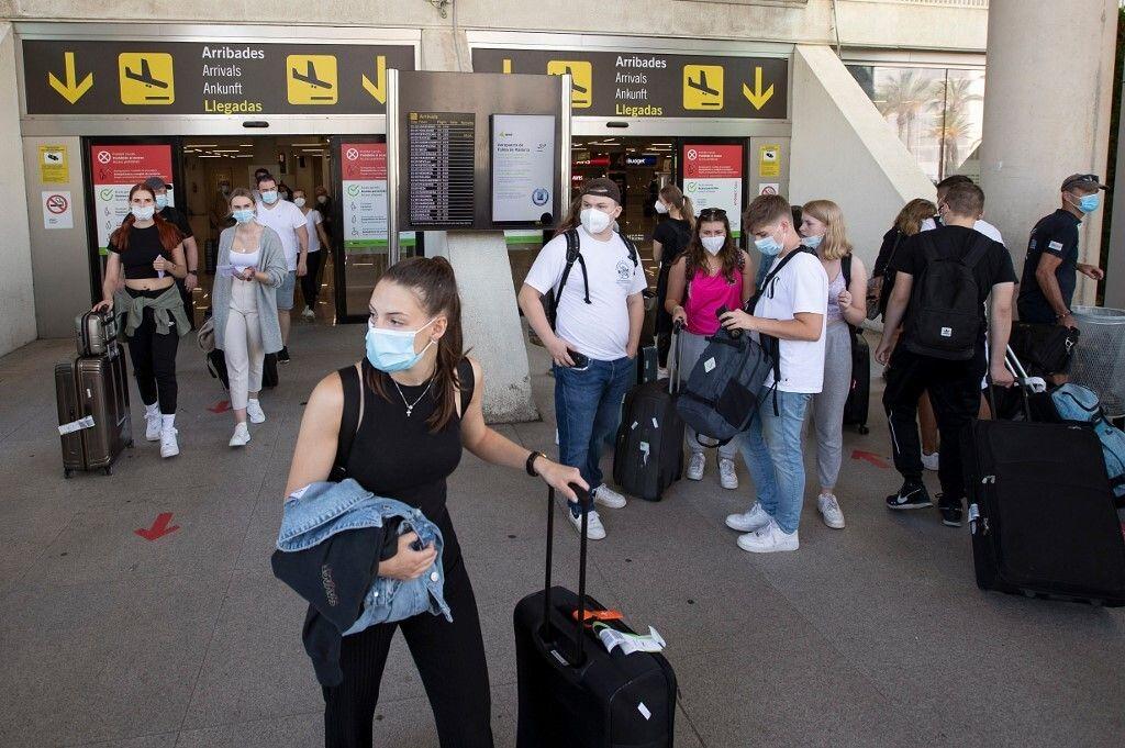 Photo d'illustration prise à l'aéroport Son Sant Joan airport à Palma de Mallorca le 28 juin.(Photo by...