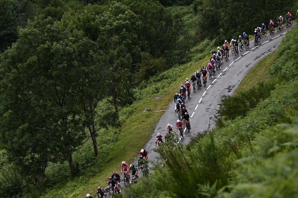 Covid-19: Masque obligatoire au Tour de France dans les Landes (photo du 13 juillet