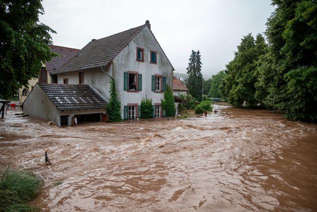 Le village d'Erdorf dans le Land de Rhénanie du Nord-Westphalie, dans l'ouest de l'Allemagne,...