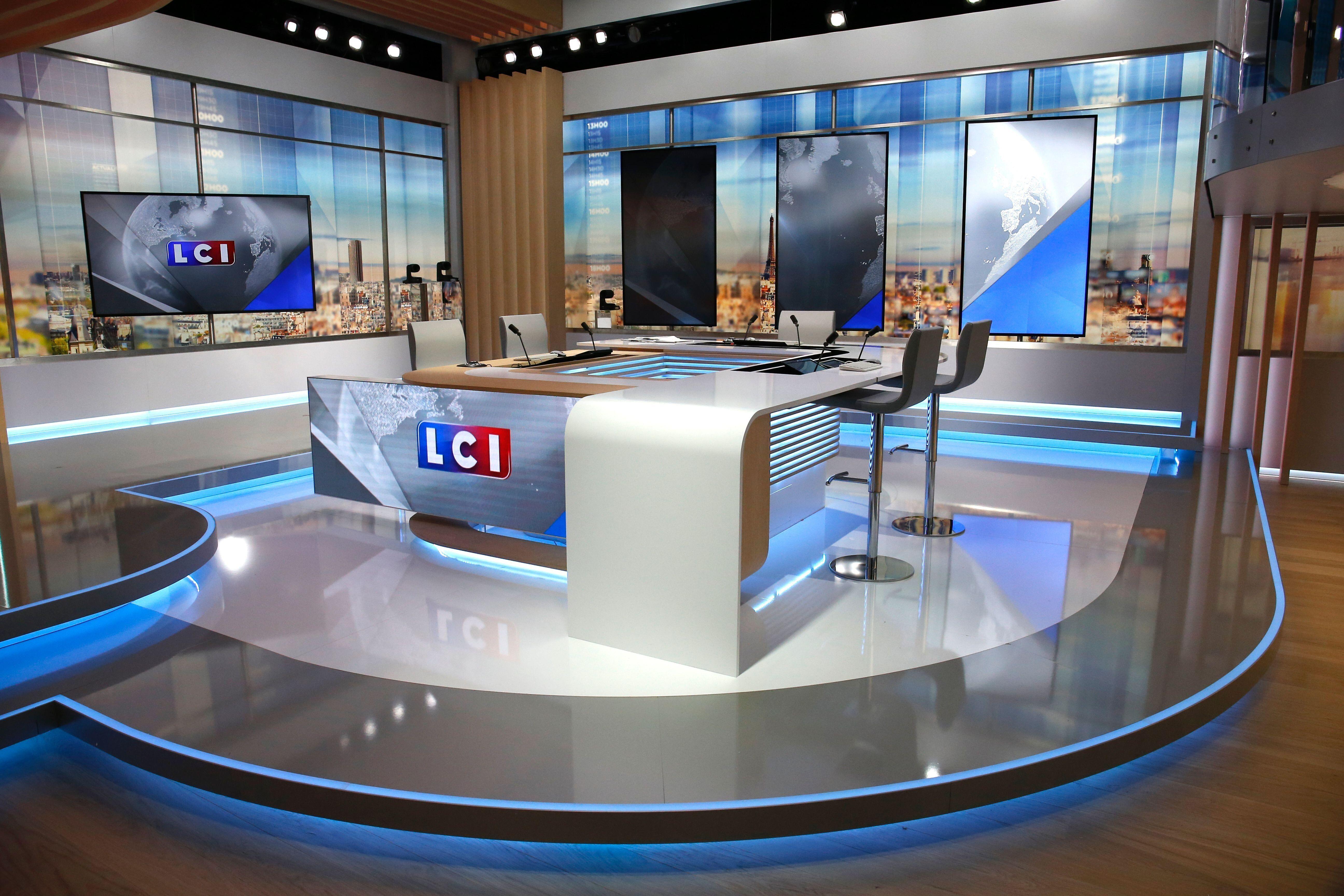 Le plateau de la chaîne LCI du groupe TF1, le 25 août 2016 à Boulogne