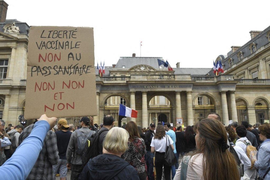 Photo d'illustration prise le 17 juillet 2021 pendant une manifestation devant le Conseil d'État contre...