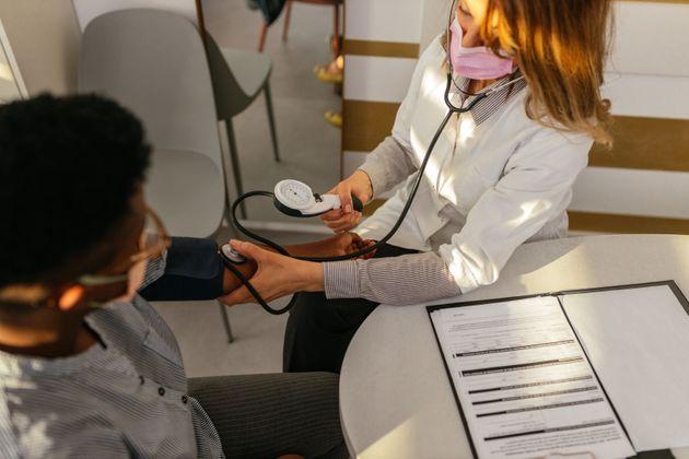 Les médecins traitant auront accès à la liste de leurs patients non vaccinés...