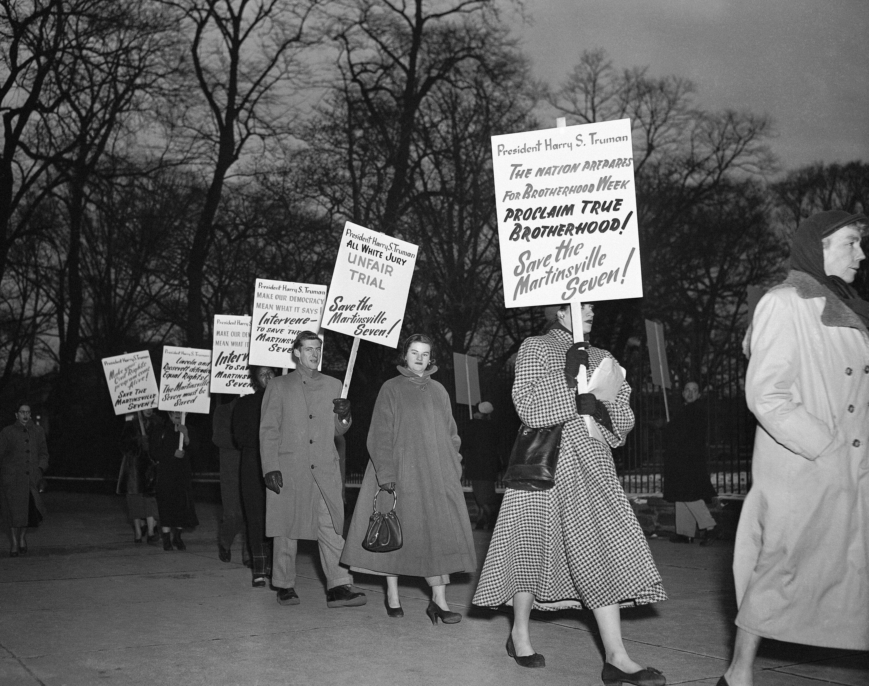 Des manifestants défilent devant la Maison Blanche contre l'exécution des