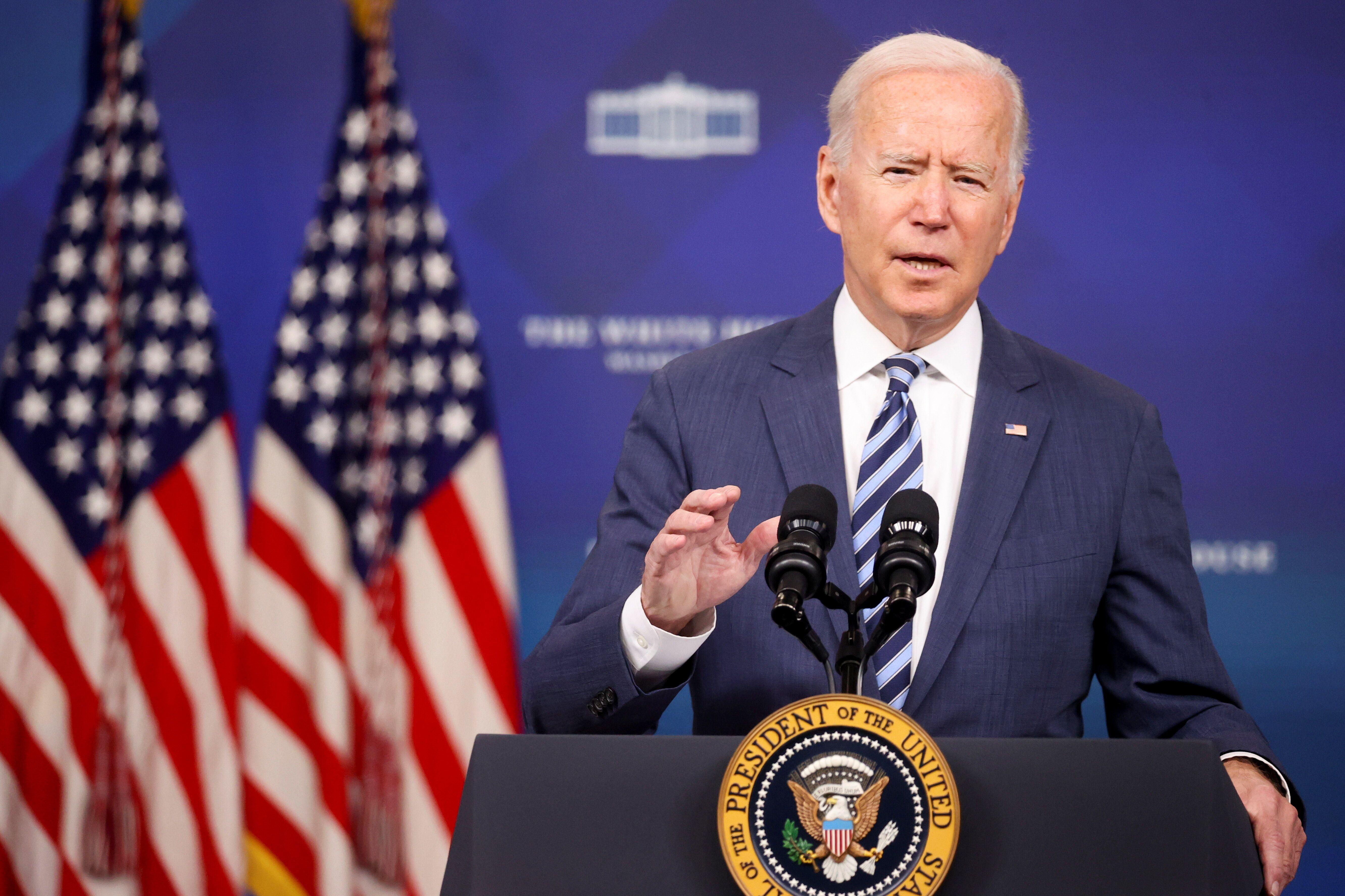 Joe Biden fustige la décision de la Cour suprême sur l'avortement qui provoque