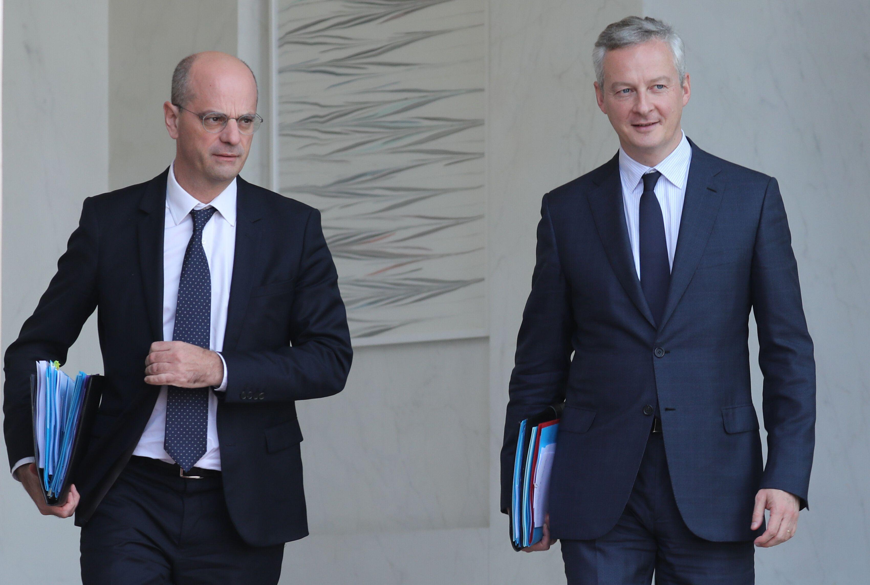 Jean-Michel Blanquer et Bruno Le Maire à la sortie du Conseil des ministres le 18 octobre 2017...