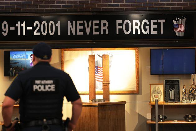 Un service commémoratif et une inauguration du 11 septembre ont eu lieu au terminal d'autobus...