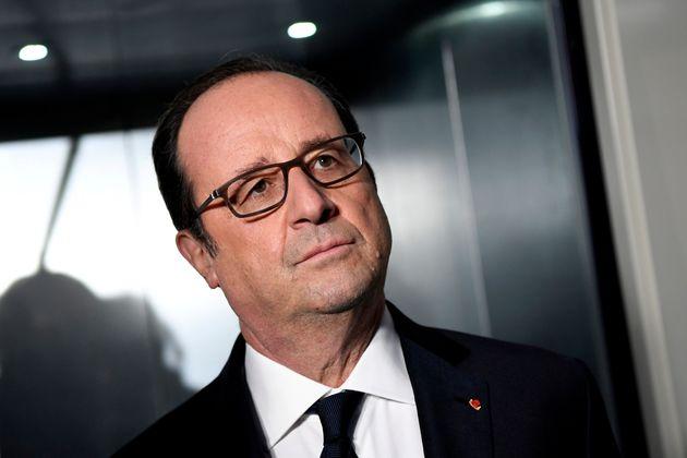 François Hollande, photographié le 26 décembre 2016 à Paris, doit témoigner...