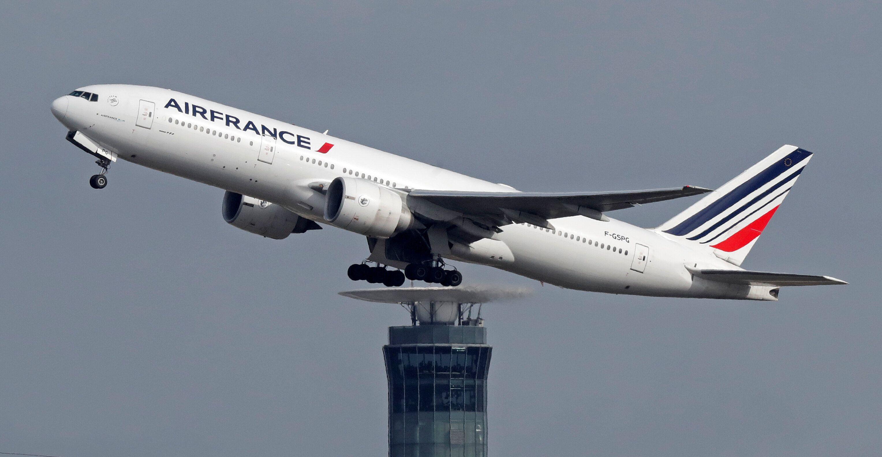 Un avion d'Air France Pékin-Paris atterrit en urgence après