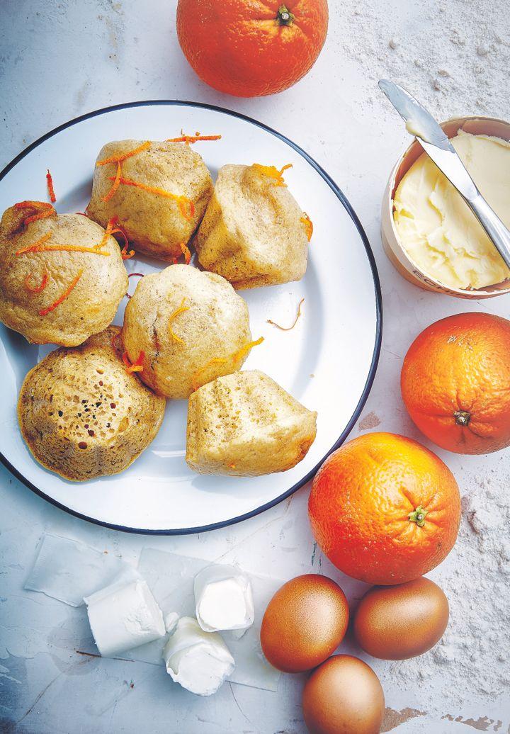 Ces petits pains, accompagnés de pommes et de lait, feront un parait petit-déjeuner en automne et en hiver.
