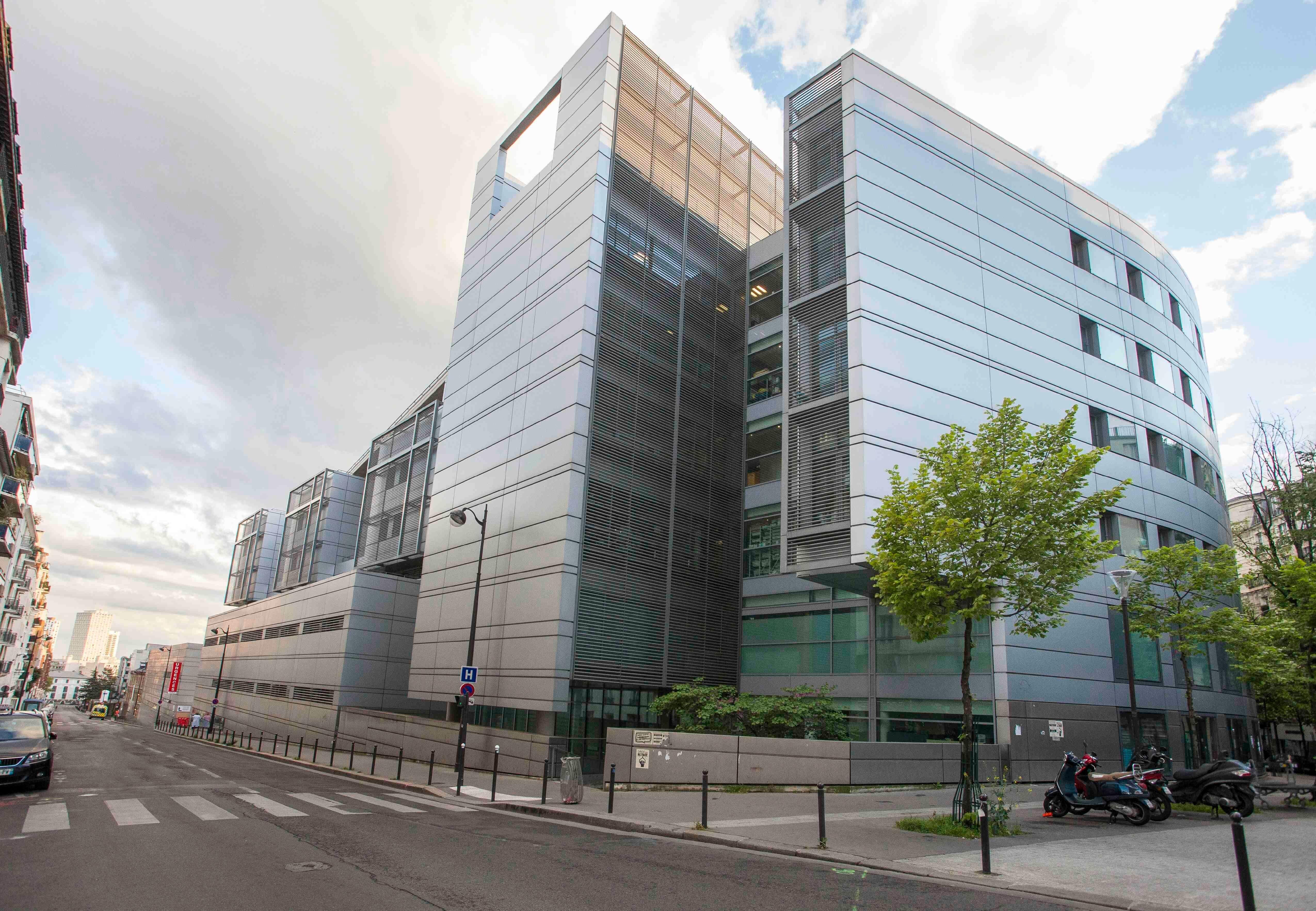 L'hôpital Tenon à Paris, le 20 avril